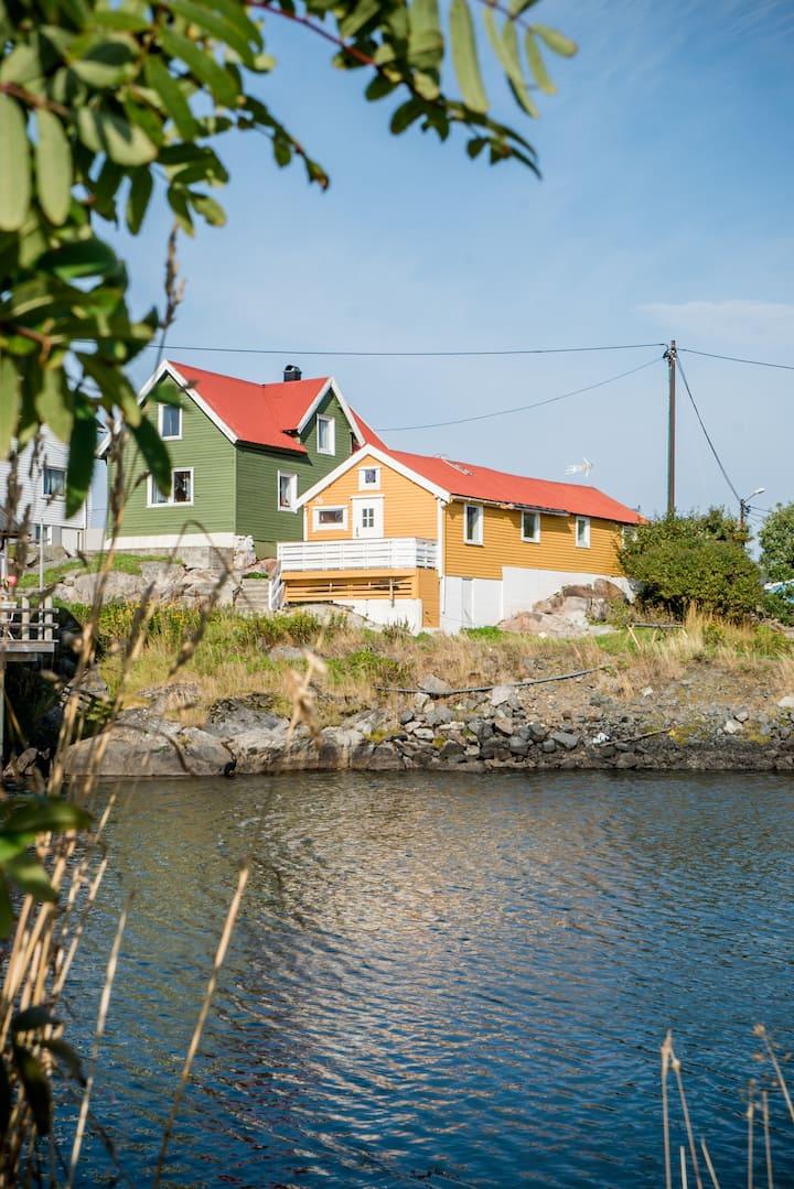 Romslig, koselig og ekte rorbu i Henningsvær