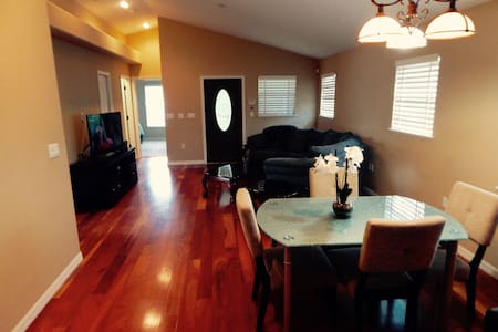 Begin 2020 Right in this Comfortable Sarasota Home