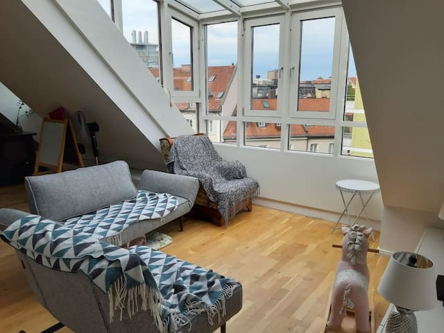 Lovely Flat in City Center with Great View and Parking