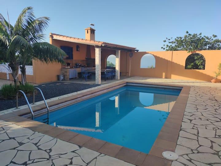 Casa Lucy - Chalé privado con piscina