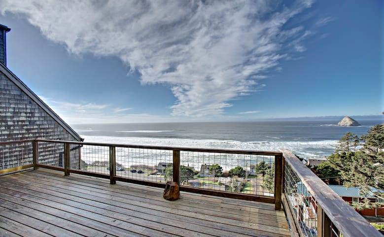 Private deck with views to 3 Arches/ Cape Meares
