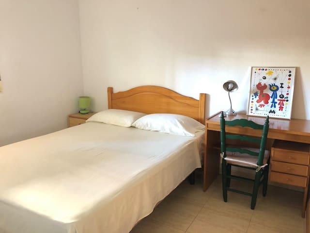 Cozy double room in Alicante
