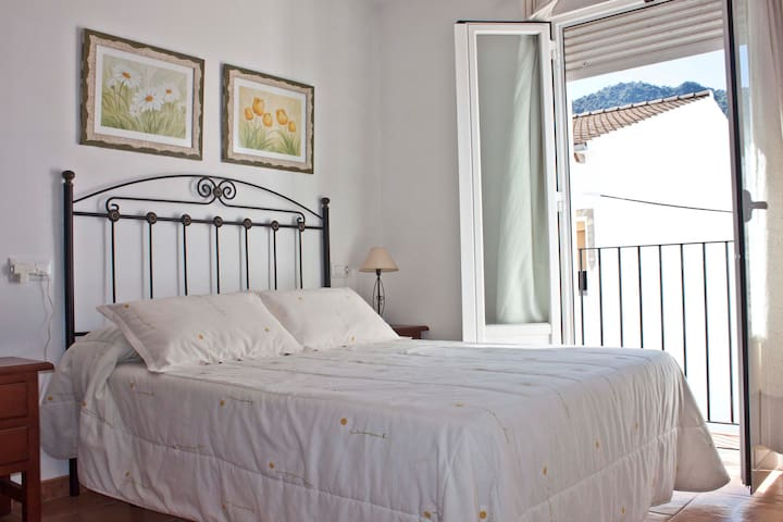 Lovely rural apartment in Benamahoma, Grazalema - Benamahoma - Apartment