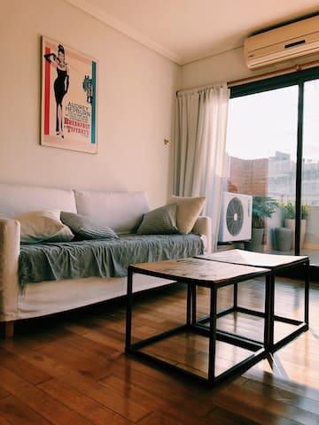 Tres ambientes con balcón terraza