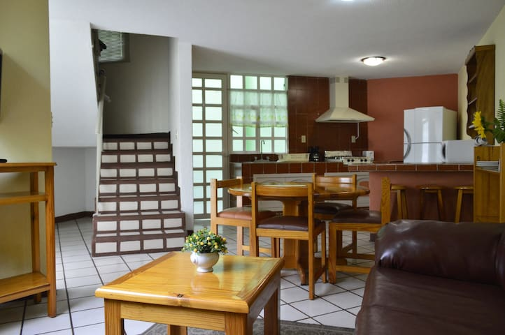 CasaEncantadora en Privada400 - Pachuca