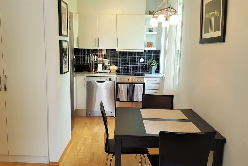 Kitchen: oven, dishwasher, fridge,freezer, microwave, coffee maker, and kettle.