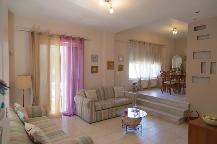 Awesome Apartment Athens/Chalandri, near metro