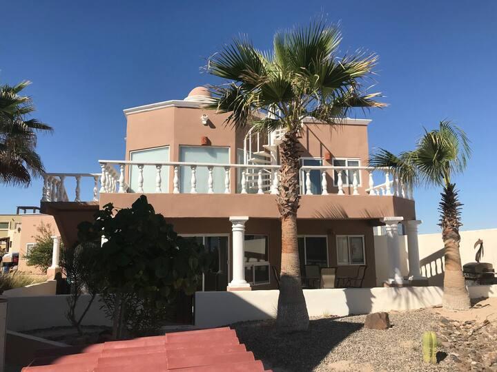Casa de Victor Sun-Drenched Luxury 3 BR Beach Home Sandy Beach