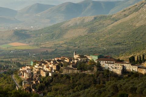 Lokal Abruzzo Gran Sasso Livet i Ofena, Italien!