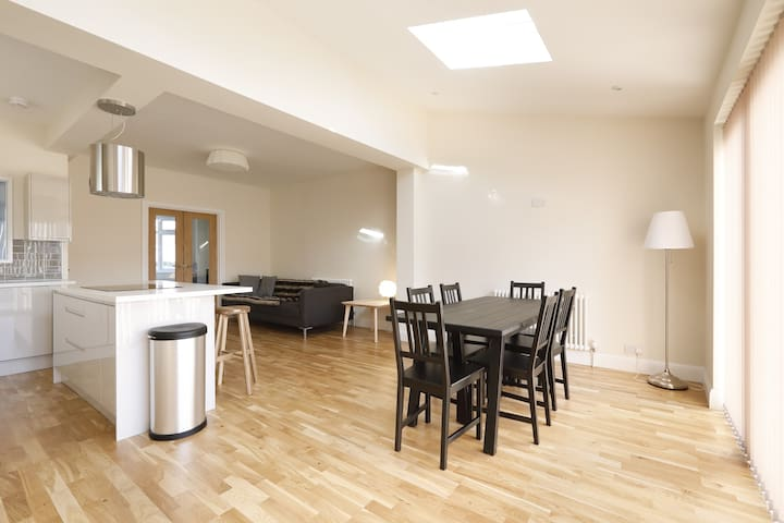 Stunningly modern home in Hove - Hove
