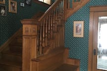 Oak staircase to 2nd floor.
