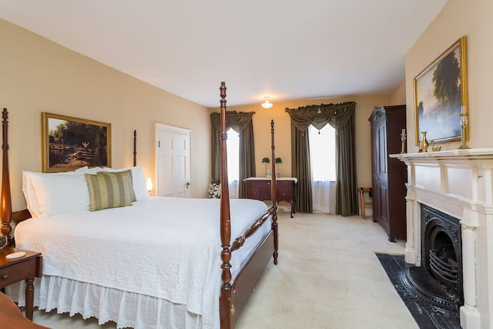 John Madison Suite - Holladay House Bed and Breakfast