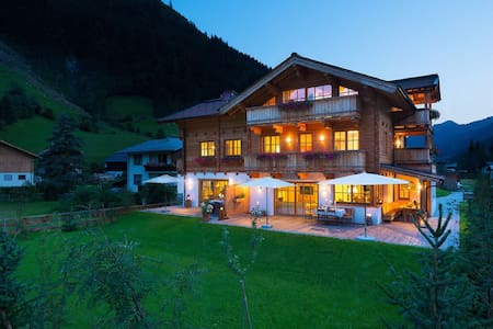 Luxury vacation in the beautiful Alps Chalet - Bach - Chalet
