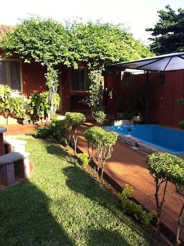 Cozy, quiet home & beautiful garden - Luque - Casa