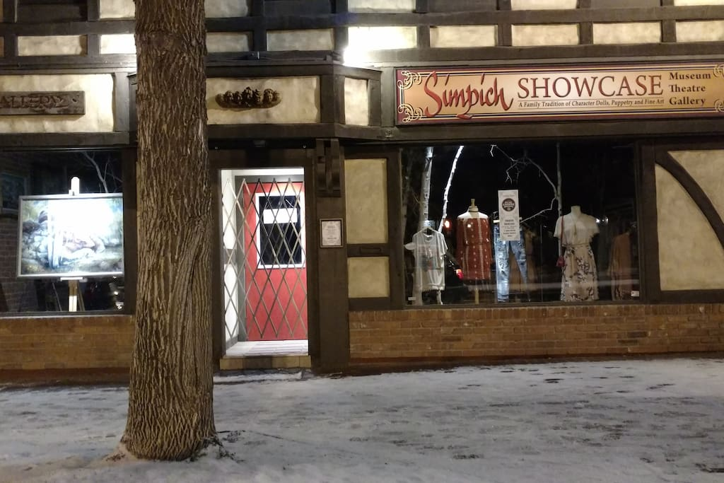 The Simpich Showcase and Gallery can be part of your Colorado excursion.