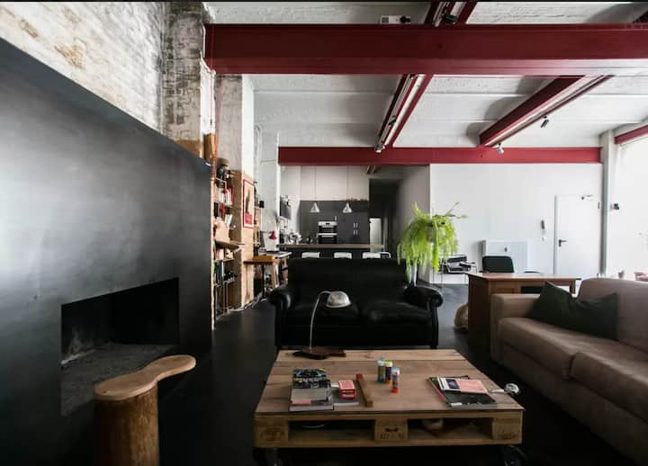 Room with genuine Loft experience