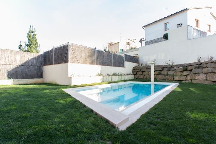 B&B Studio duplex with pool and parking - Sant Cugat del Vallès