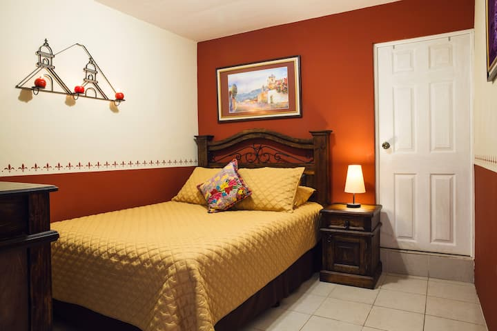 Nice Room in the center of Antigua