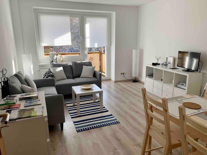 Moderne Ferienwohnung für 5 Gäste im Apartmenthaus
