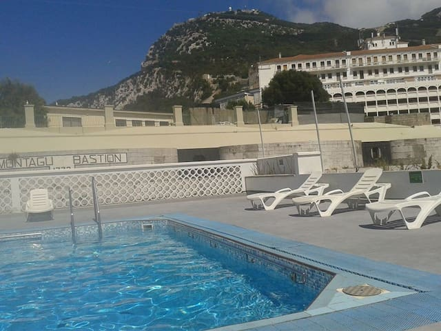 Licensed Self catering one bedroom apartment, pool