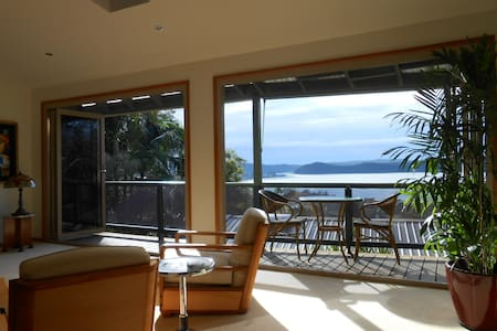 BEACHVIEW HOMESTAY - Umina Beach - Bed & Breakfast