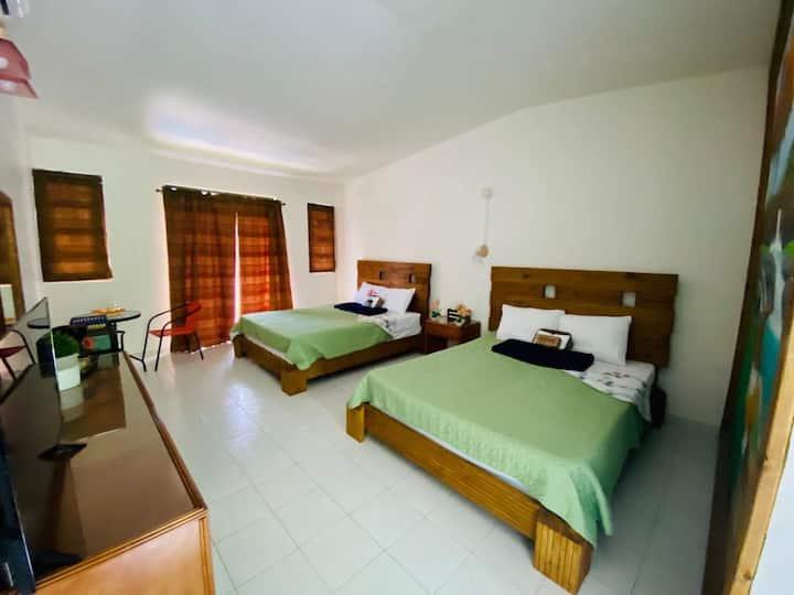 Hotel Shangri-La: Habitación Doble 206