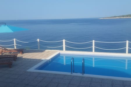 Holiday house, Villa Milan Sevid, Riviera Trogir - Sevid - Villa