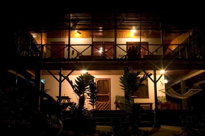 Two-bedroom Villa at Boutique Resort, La Ponderosa - Pavones - Gästhus