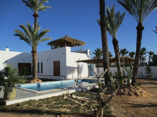 Superbe Villa a Djerba DAR ELISSA - Tezdaine - Villa