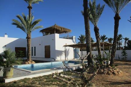 Superbe Villa a Djerba DAR ELISSA - Tezdaine - Casa de camp