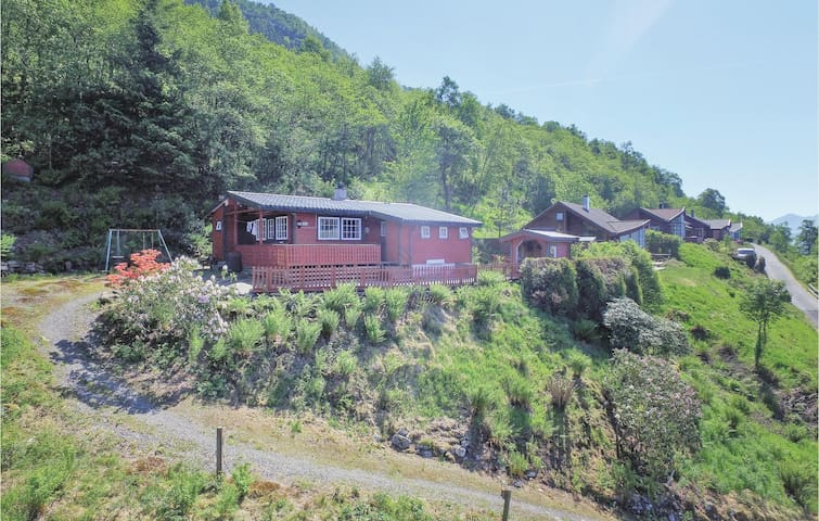 Holiday cottage with 3 bedrooms on 64m² in Ølen