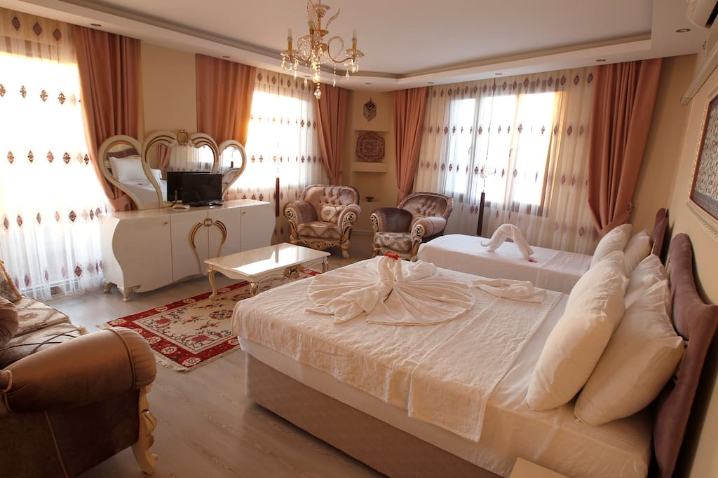 king room at EPHESUS PALACE