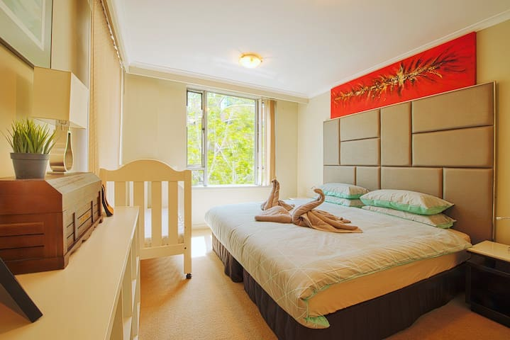 Darling Harbour 2BR DEC Special SUPER CHEAP MUST