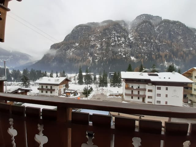 "Charming Apartment ""Cèsa Sot Rodela - Sas Lench"" with Wi-Fi, Balcony & Mountain View; Garage Available"