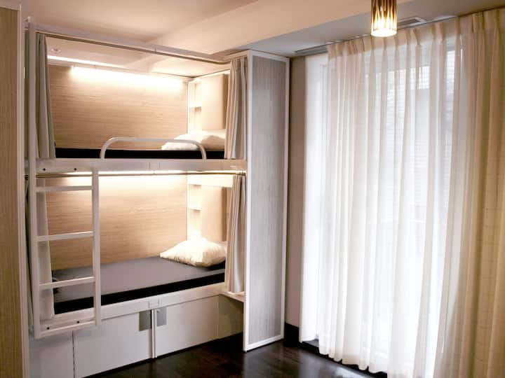 M-Montreal: 1 bed in a 4 Bed FEMALE ONLY Dorm