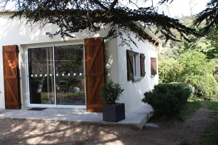 Pavillon dans propriété privée