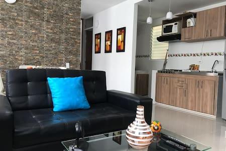H&L,Hda Rosablanca,piscina,fresco, acogedor