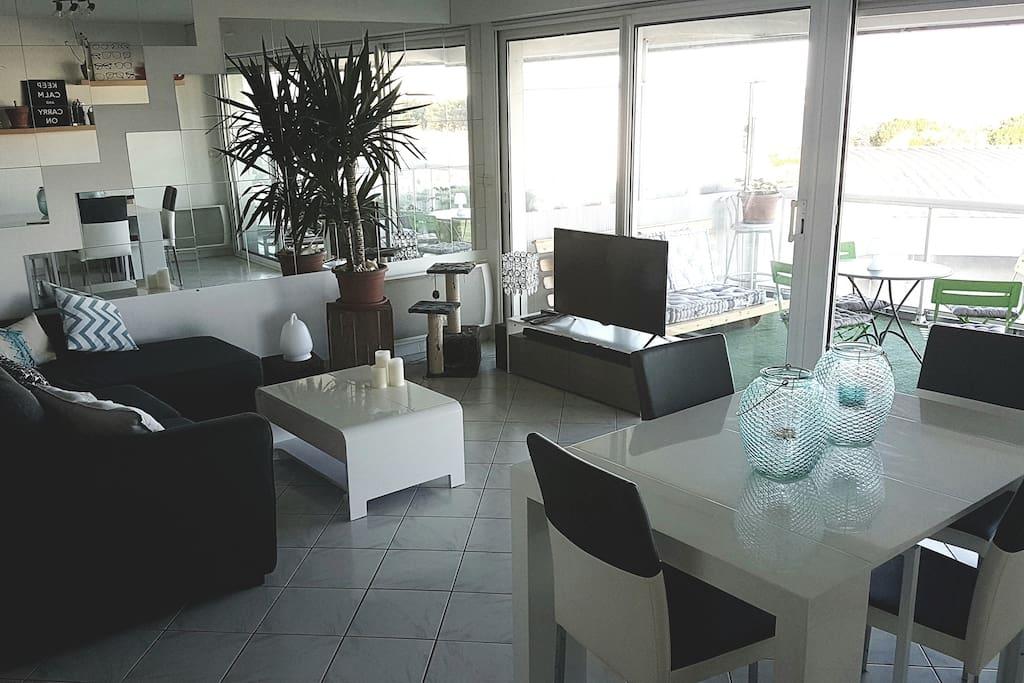 appartement face mer avec vue exceptionnelle appartamenti in affitto a la rochelle. Black Bedroom Furniture Sets. Home Design Ideas