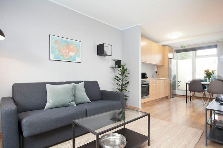 Tyr Studio apartment