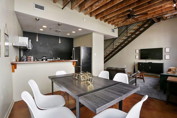 Domio | Warehouse District | Stylish Three Bedroom