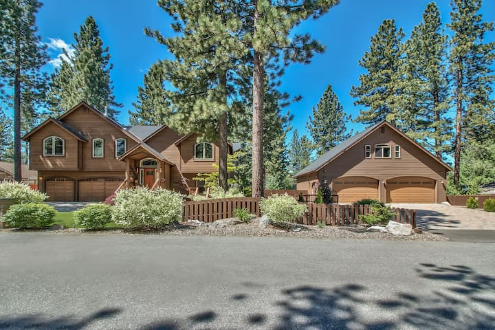 Beautiful 7 Bedroom 7 Bath Estate Sleeps 22 - South Lake Tahoe - House