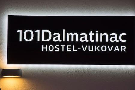 Modern Hostel 101 Dalmatinac - Vukovar - Vandrarhem