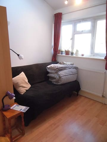 FEMALE ONLY: Sofa double futon bed in 2 bed flat!