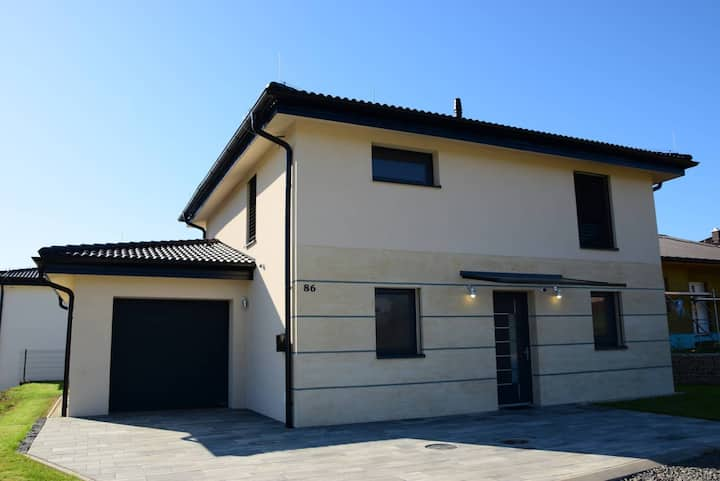 KOLOMOCHI House