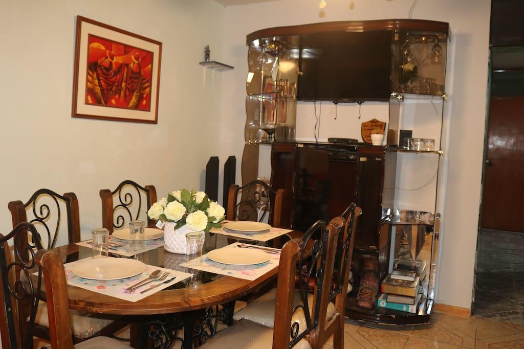 Comedor de la casita -Dinning room