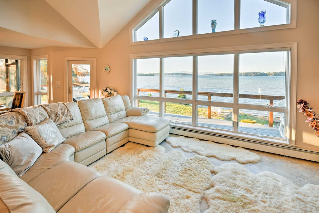 Stretch out and relax in 3,000 square feet of lavish living space, with stunning water views throughout!