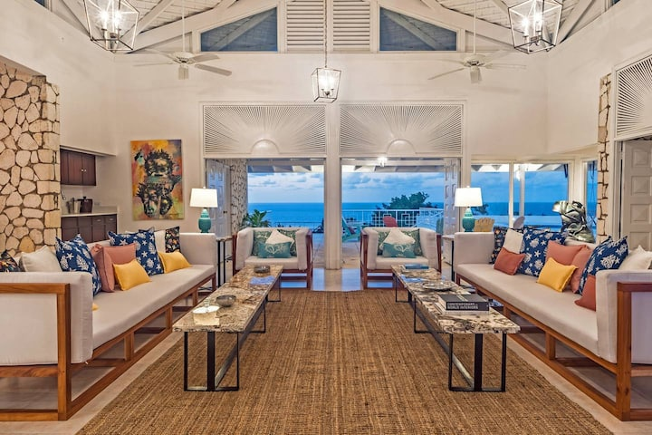 Luxurious 5-Bedroom Estate Villa w/Ocean View & Pool, Beach Access, Great Rates!