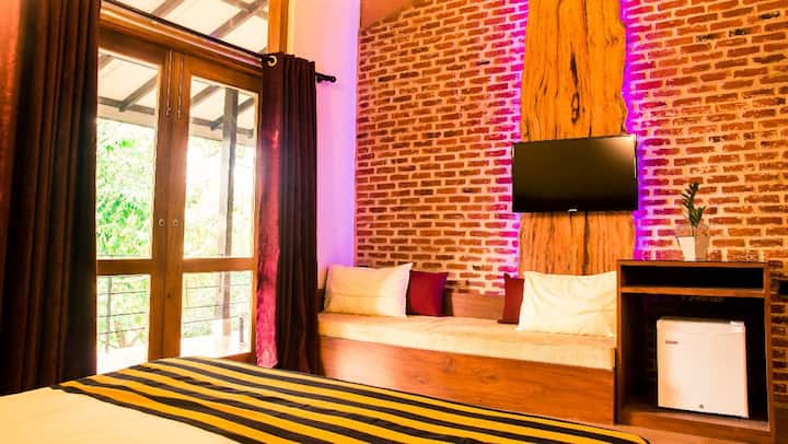 Roshara- Olu Room with Garden & River View
