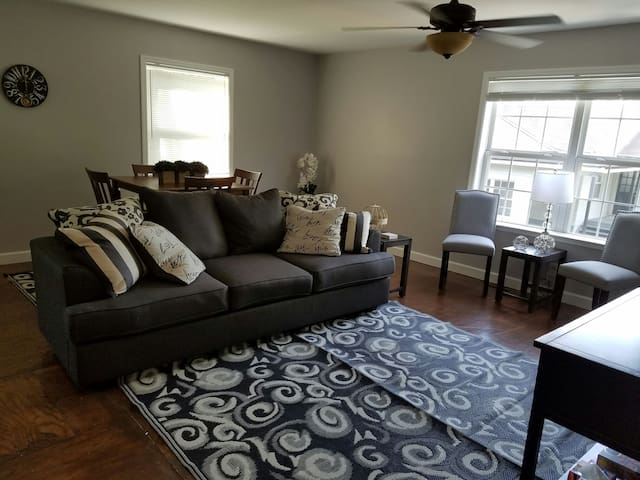 Charming Apartment Close to UT & DT - Knoxville - Apartament