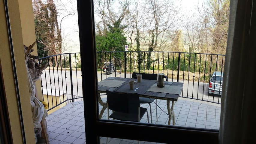 Lovely Apartment on Rimini hills - Montescudo - 公寓
